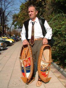 Сувенири из Свилајнца за Путина и Медведева